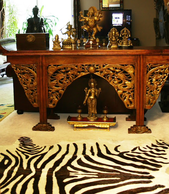I Found This Huge Chinese Altar Table At Chineseantiquewholesaler Here  (ebay). I Love The Great Details, Gold And The Patina Of The Wood.