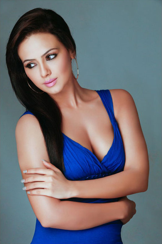 stills sana khan latest photo stills sana khan cute images sana khan ...
