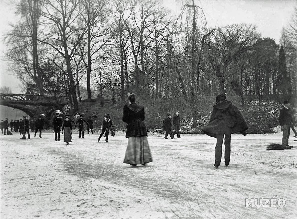 Image Bois De Boulogne : Bois de Boulogne, skating on the big lake