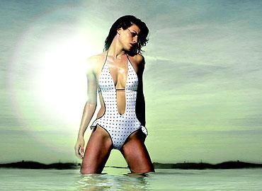 fotos de modelos en trajes de bano: