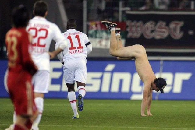 Desnudan al árbitro en protesta por la expulsión de cinco jugadores