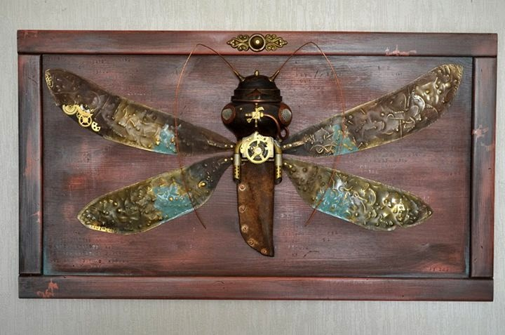 16-Insect-Arturas-Tamasauskas-Recycled-and-Upcycled-Steampunk-Sculptures-www-designstack-co