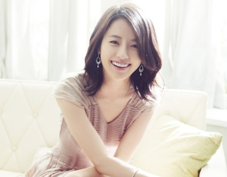 Hyo Joo Kim Personal Information Pictures And Nice Hot And Cute Wallpapers.