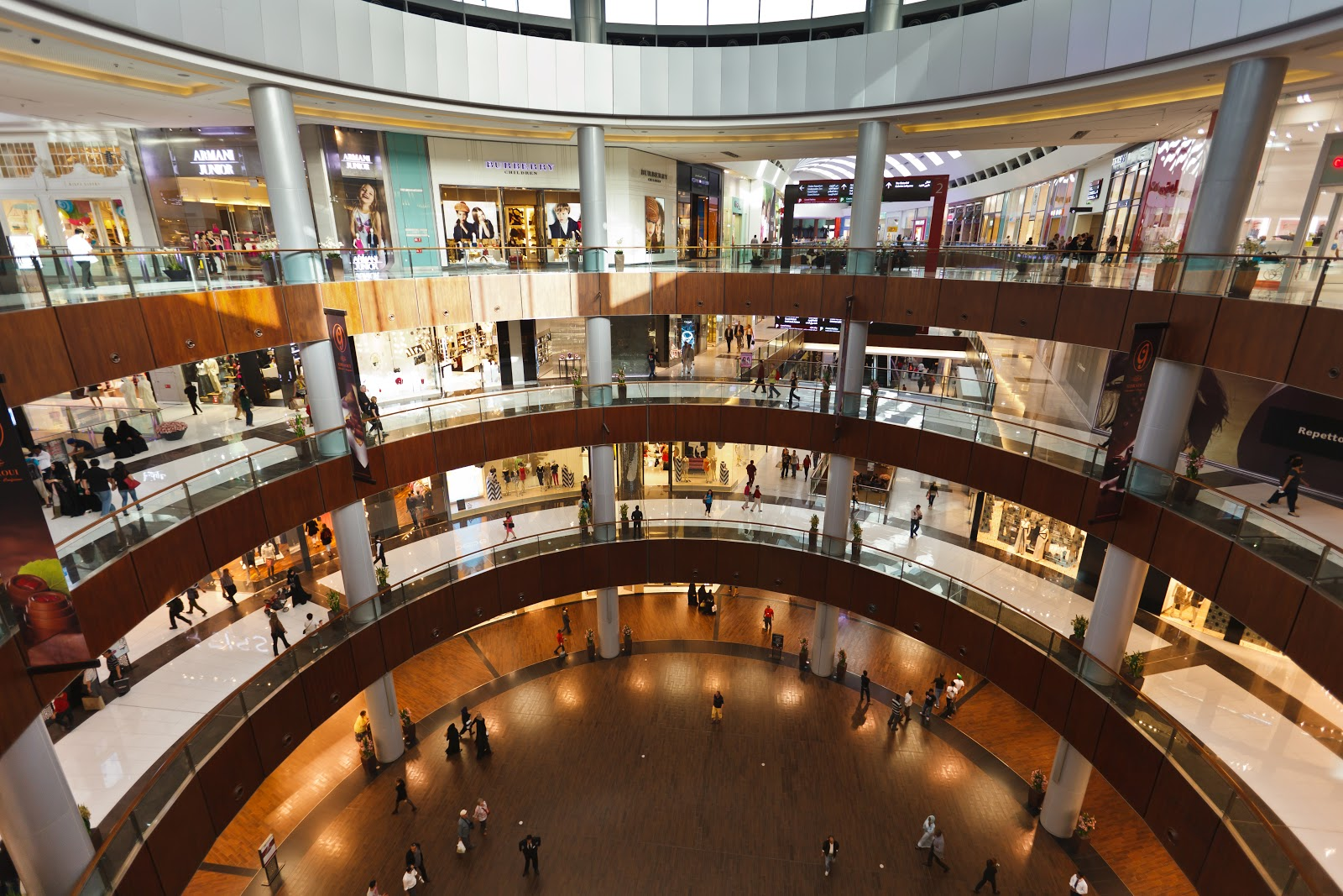 The dubai mall places4traveler best tourism vacation for Gucci hotel dubai