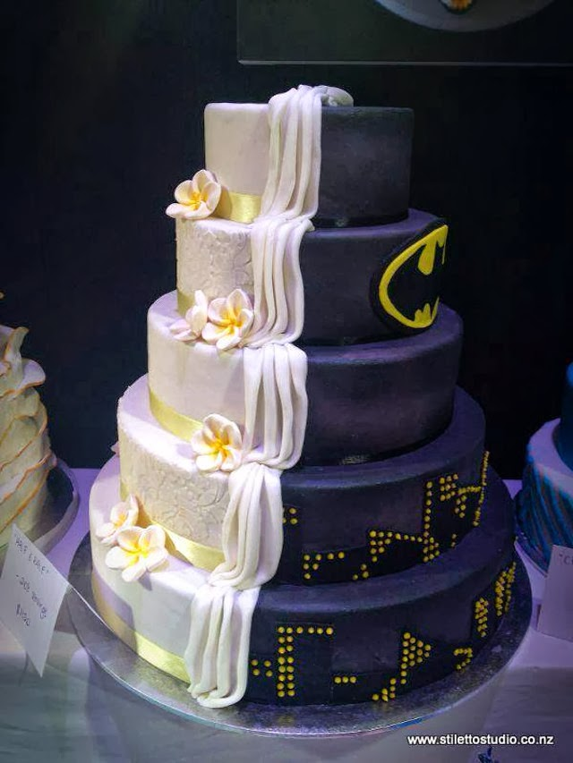 half-batman-half-regular-wedding-cake.jpg