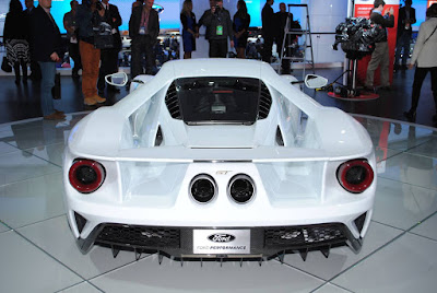 Pictures of the 2017 Ford GT at NAIAS
