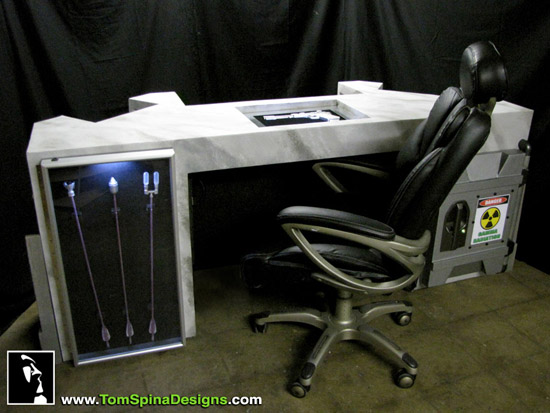 Escrivaninha dos Vingadores The-Avengers-Movie-Themed-Desk-3