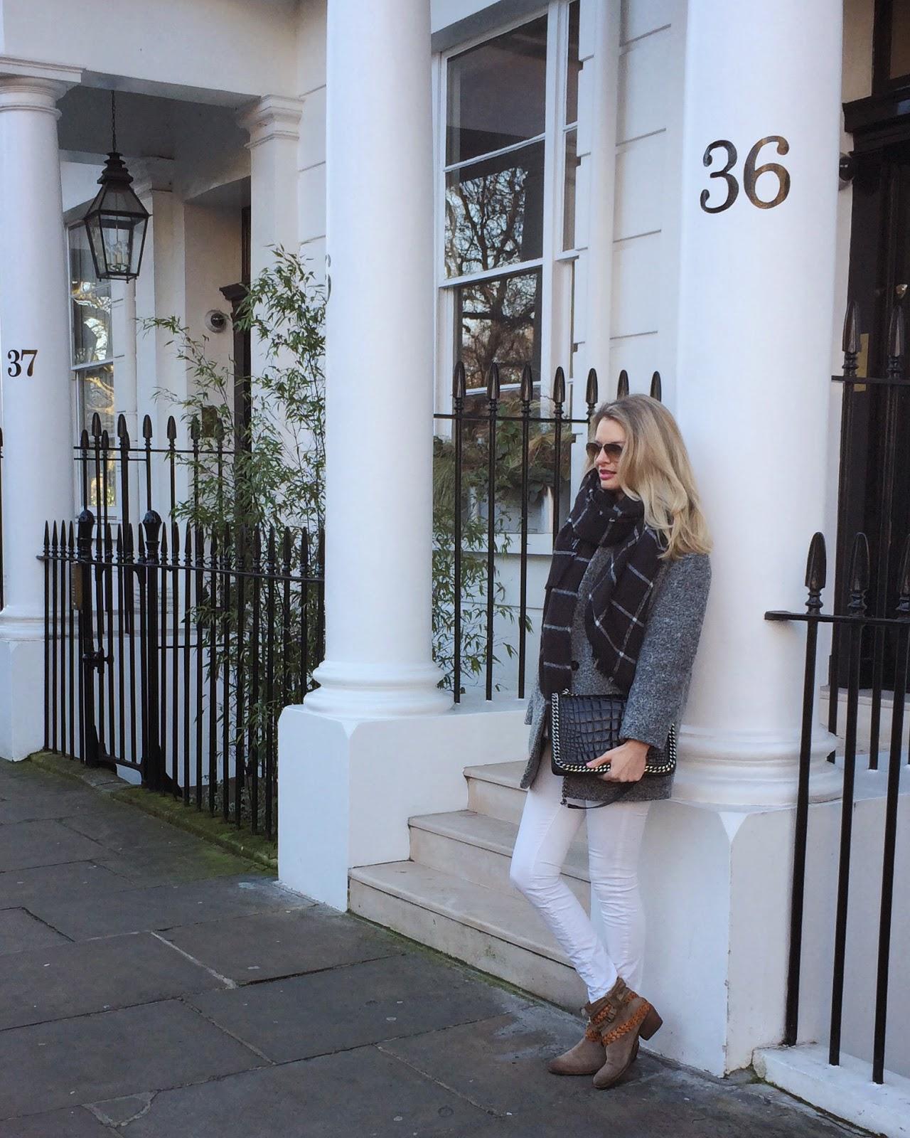 window pane print scarf, maxi scarf, blanket scarf, white jeans, beige boots, zara flap bag croco, fashion blogger, london, london street style, london blogger