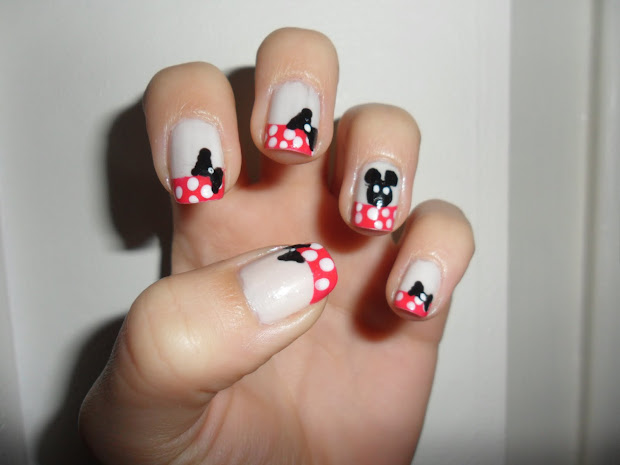 nail stories minnie mouse inspired
