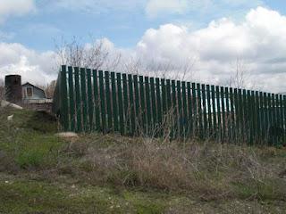 Забор штакетник из профлиста. Фото 4