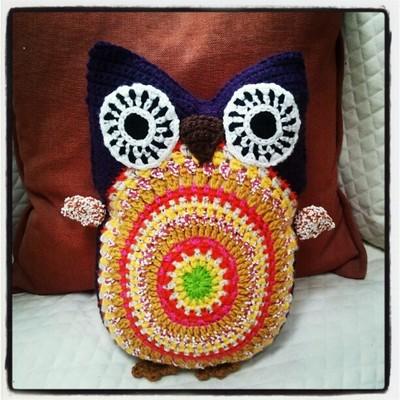 Free Crochet Owl Cushion Pattern : Life is art ... Art is Life: Crochet Owl Pillow #2