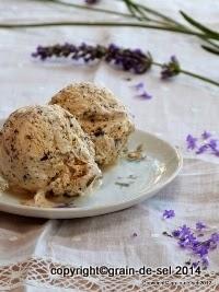 http://salzkorn.blogspot.fr/2012/07/lavendel-straciatella-eis-mit.html