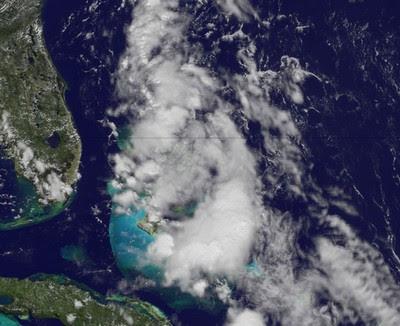 Tiefdruckgebiet über Bahamas entwickelt sich, Philippe, Rina, Bahamas, Florida, US-Ostküste Eastcoast, Atlantik, aktuell, September, 2011, Hurrikansaison 2011,