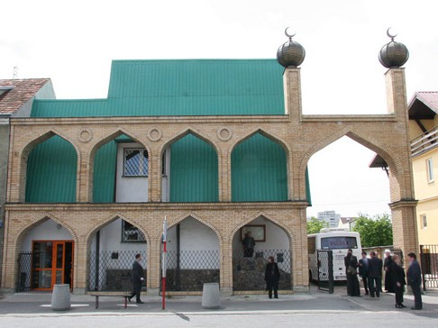 Masjid Warsawa Awal Perjalanan Para Mualaf Polandia Dimulai