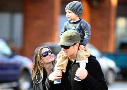 Tom Brady Wife Breastfeeding | www.pixshark.com - Images ...