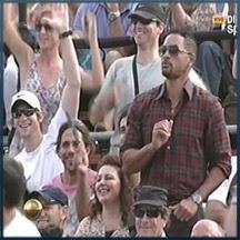 Will Smith dança no jogo de tênis