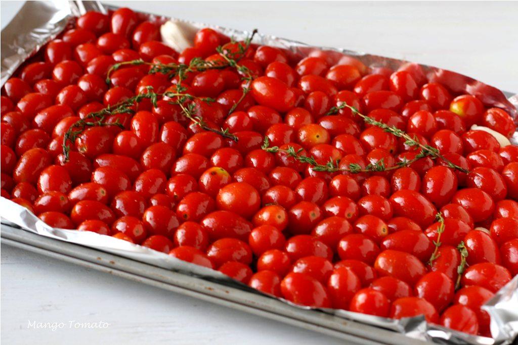 Mango & Tomato: Roasted tomatoes with feta and chickpeas salad