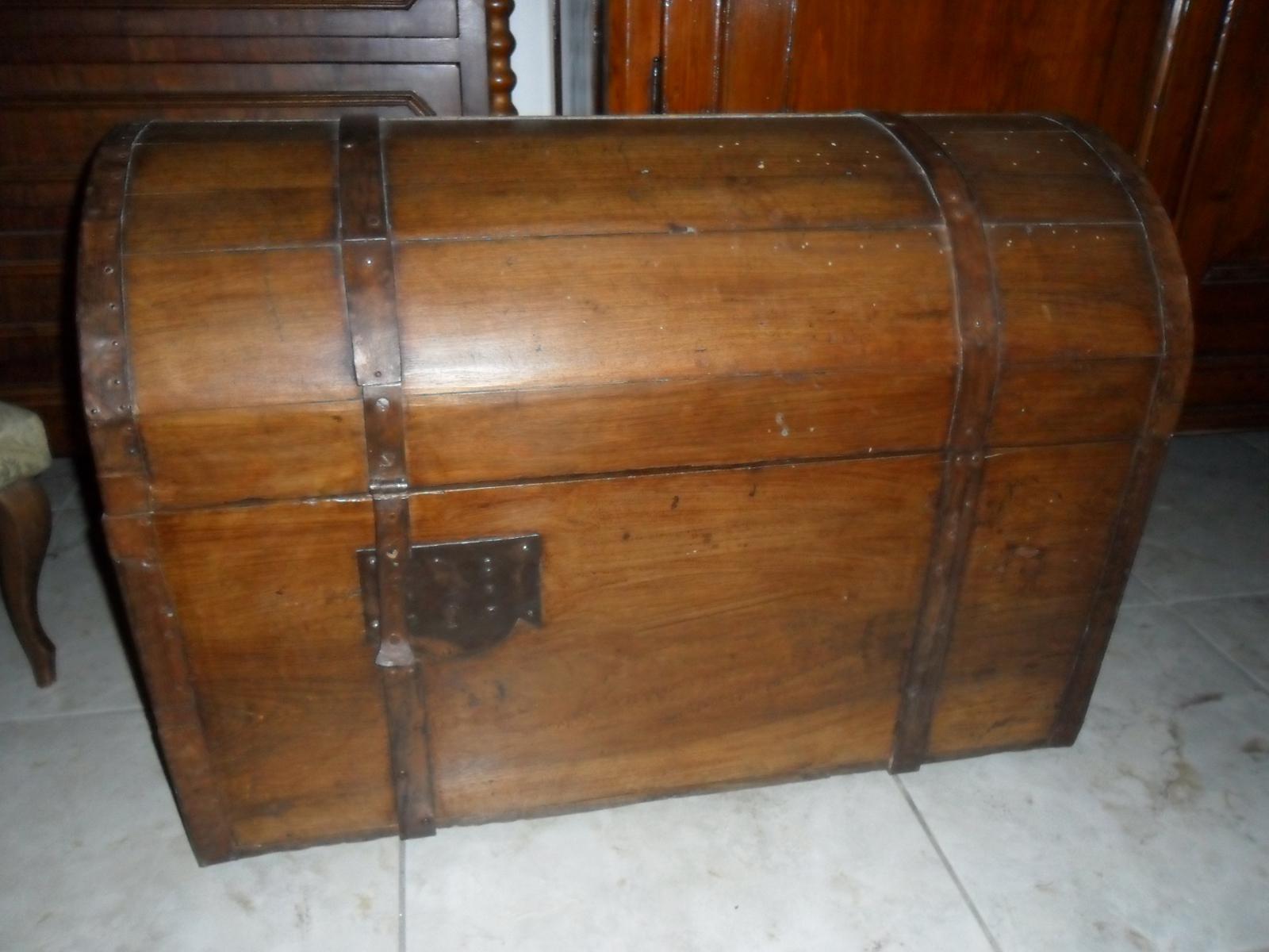 Mercatino dell\'Usato di Spello Blog: Bauli in legno