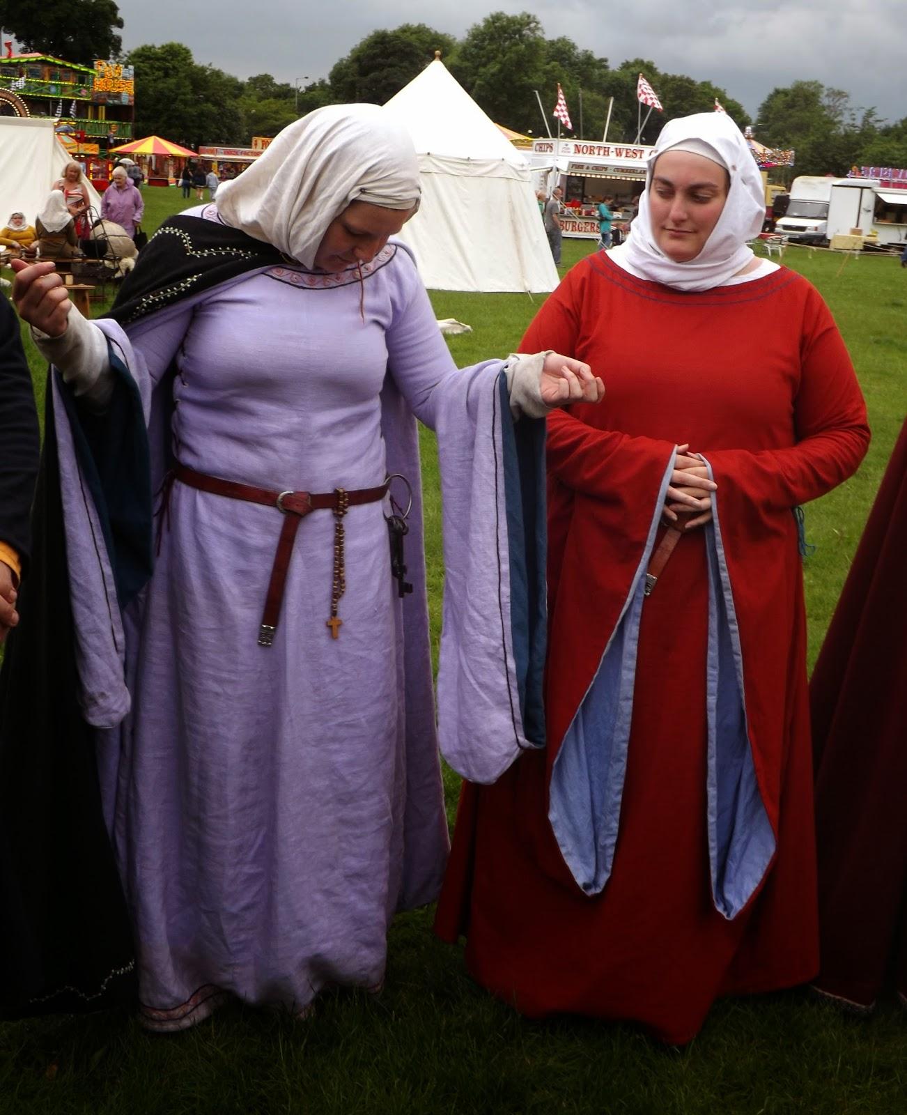 Noblewomen s dress