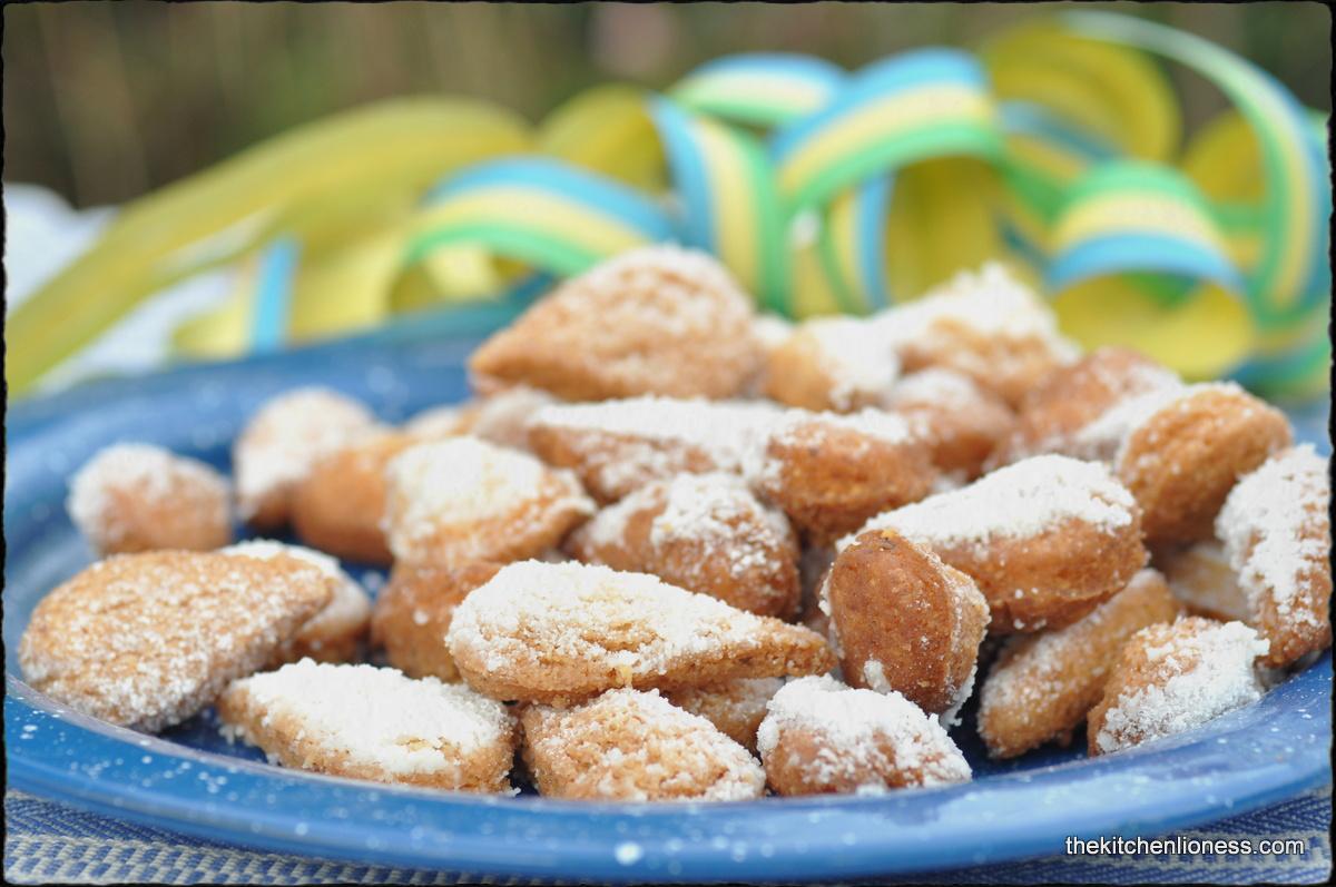 """... Carnival treat, namely """" Fried Almond Cookies """" (Mutzemandeln"""