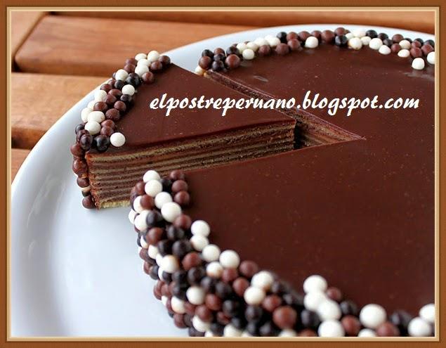 postre delicioso con chocolate
