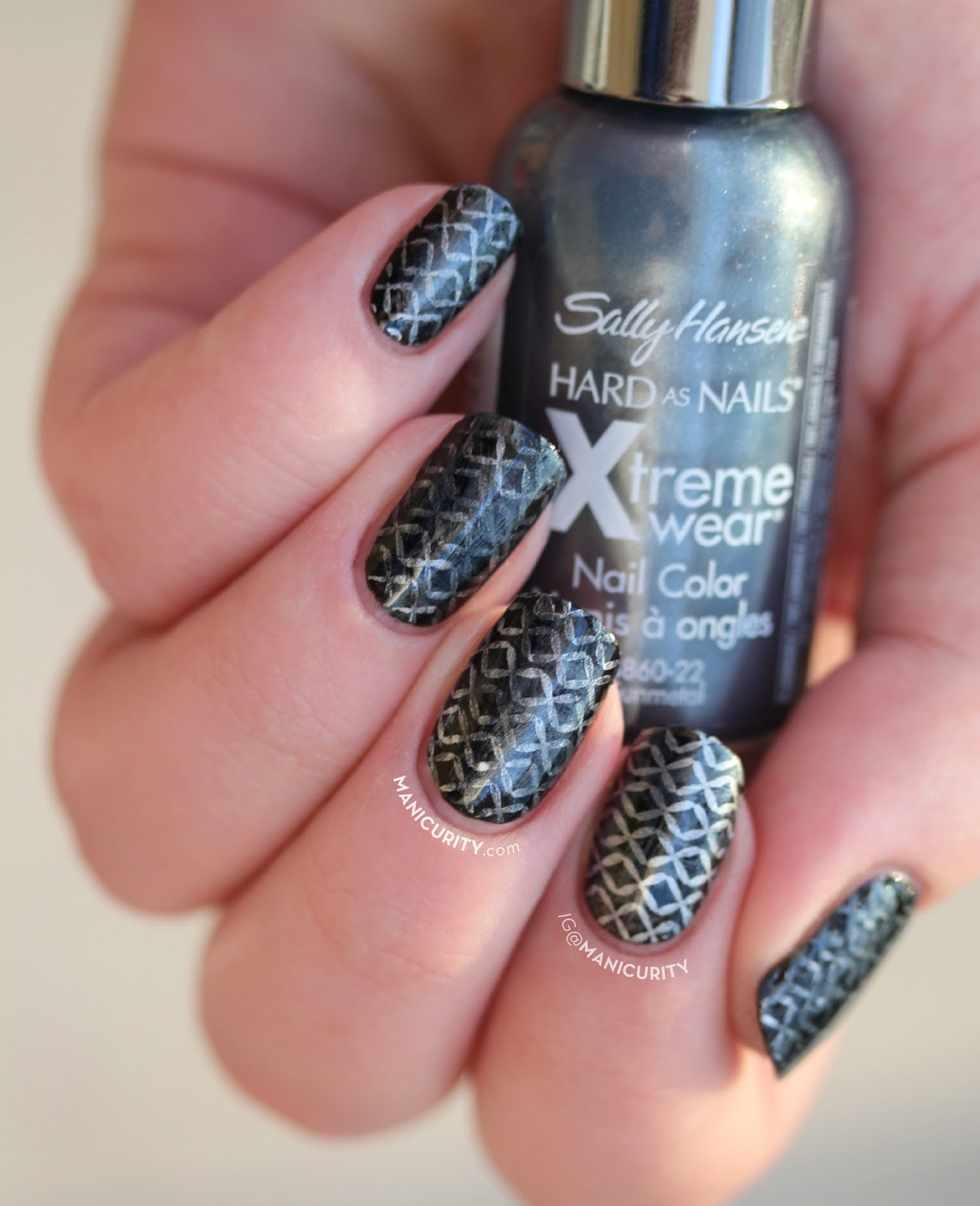 Manicurity The Digit Al Dozen Chain Mail Nails