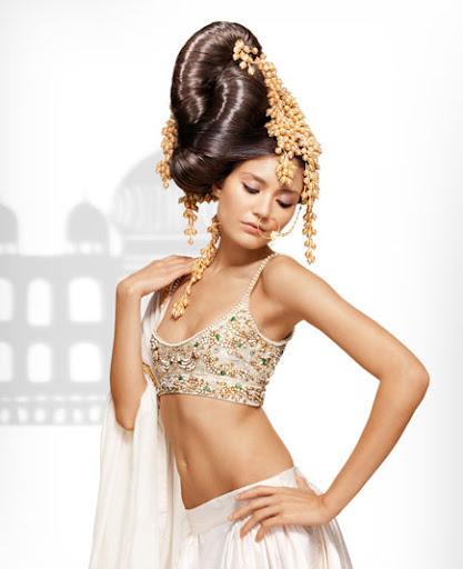 индийска прическа с обем за булки