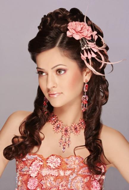 Hair Style Ki Photo : Fashion Trends: Pakistani Dulhan In Makeup