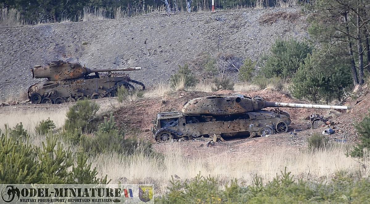 Military photo report tank wrecks in military camp carcasses de chars sur - Terrain militaire a vendre ...