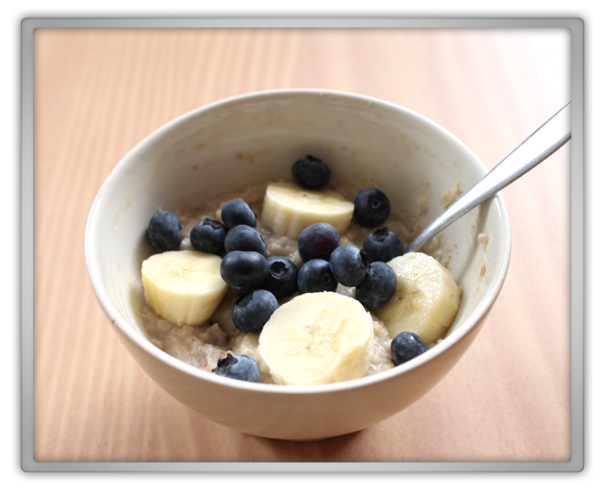 the sacconejoly's anna saccone joly breakfast porridge multi grain oats quaker alpro almond milk blueberries banana healthy style diet 2