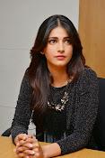 Shruti Haasan Glam pics-thumbnail-48
