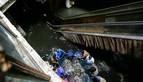 Pelik Shopping Mall Berubah Menjadi Kolam Ikan di Thailand