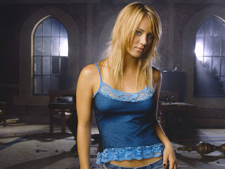 kaley cuoco sexy girl wallpapers 2698