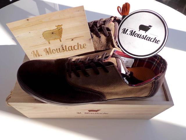 Les chaussures M.Moustache: la moustache se porte aux pieds !