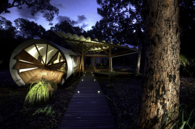 Source http www home designing com 2012 04 unusual holiday home for creative campers