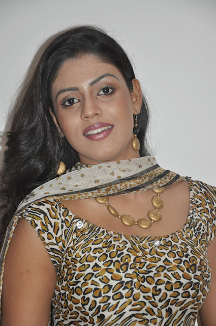 iniya new in mouna guru audio launch