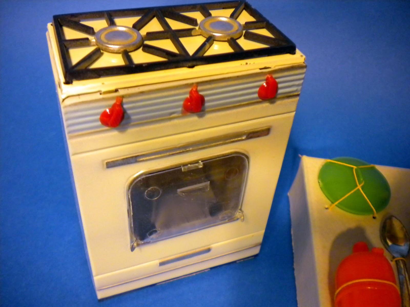 Juguetes jugados tem tico cocina de pay y utensilios for Cocina de carton