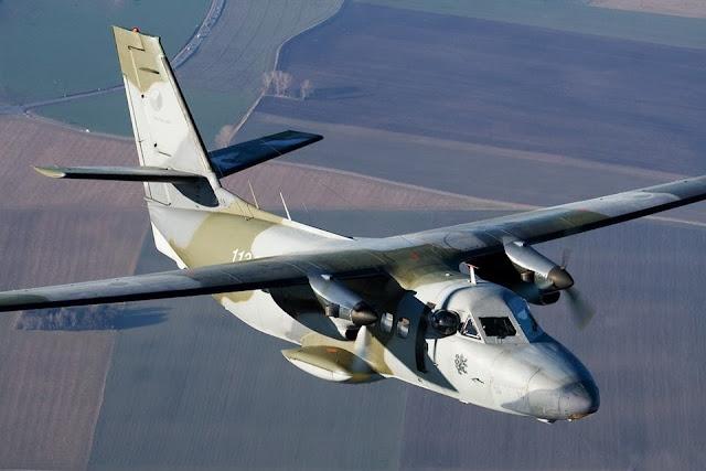 Máy bay L-410