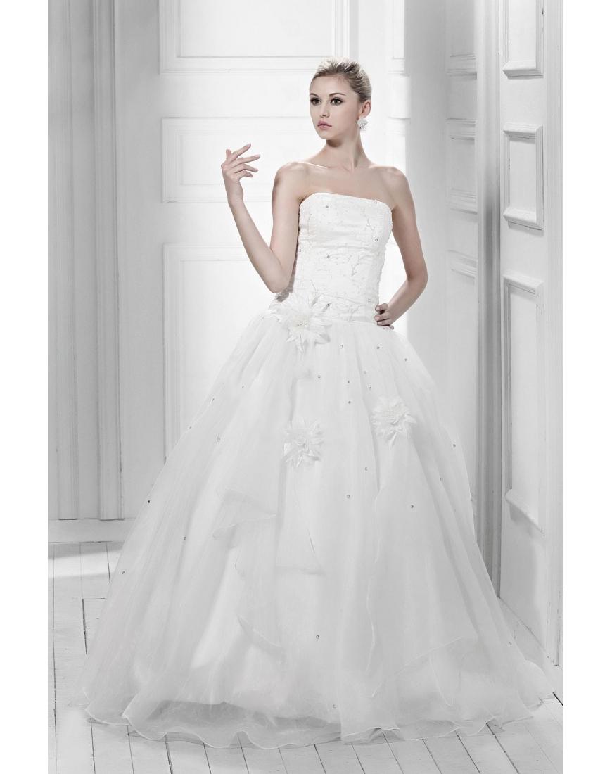 BEYOND BEAUTIFUL BRIDAL LINGERIE BY FLEUR OF ENGLAND | WEDDING NEWS ...