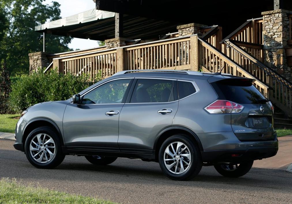 2014 Nissan Rogue grey