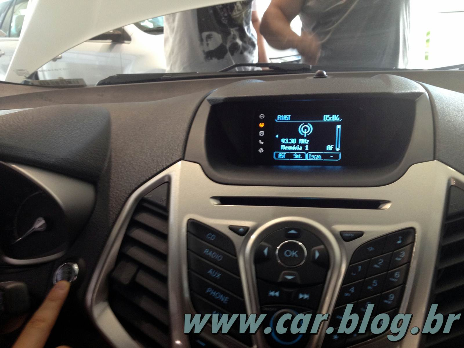will ford sync work with iphone 4. Black Bedroom Furniture Sets. Home Design Ideas