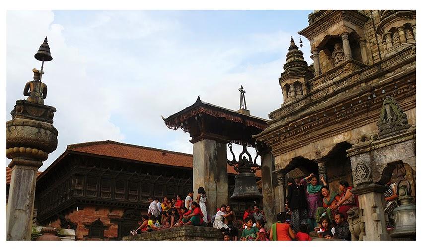 La pizza di Bhaktapur durante la festa del Gai Jatra (Festa della Mucca), Nepal. Agosto 2014 Foto di Barbara Bisarello CoCodeStudio