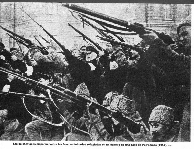 Un dia como hoy pero hace 96 años...  03+Bolcheviques+disparan+contra+las+fuerzas+del+orden+refugiadas+en+un+edificio+en+Petrogrado+en+1917