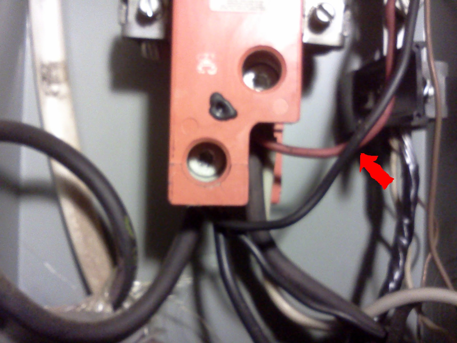 Lazorko Electric Fire Caused By Improper Wiring How To Wire 100 Sub Panel Diagram Immediately Obvious Was That The Ampere Rated Cable Not Properly Protected From Over Current Because It Connected 200a Main Breaker