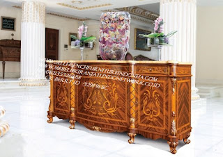 buffet ukir jepara Jual furniture mebel jepara buffet klasik buffet jati buffet antik buffet jepara buffet duco mebel buffet jepara furniture mebel ukir jepara BFFTJ-102013 jual kabinet classic ukiran jepara
