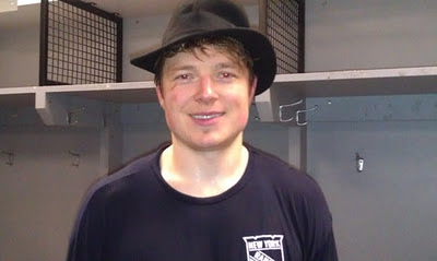 Ruslan Fedotenko wears the Broadway Hat after the Rangers veto the Caps 6-3