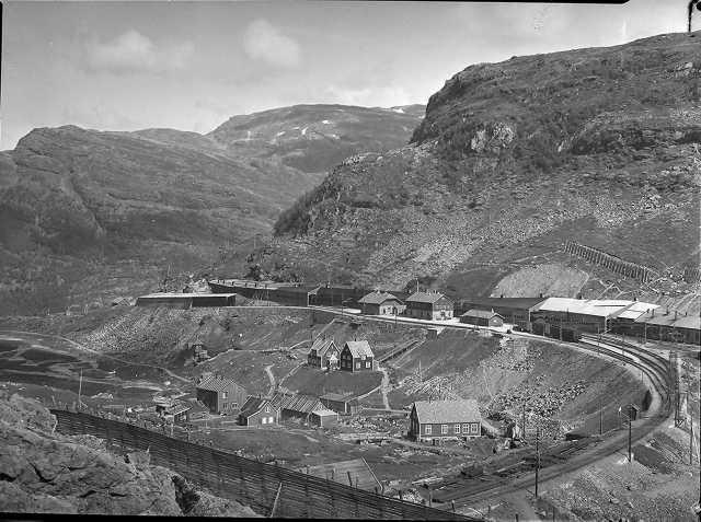 Looking back: The Flåm Railway and surrounding landscape taken near the Myrdal station in 1942. Photo: WikiMedia.org.