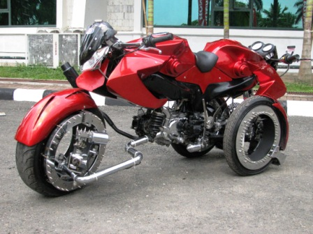 Modifikasi Sepeda Motor Yamaha F1zr