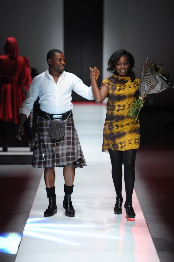 Reportnigeria Blogspot Com British King Of Fashion Storms Nigeria Rides Into Lagos In Style