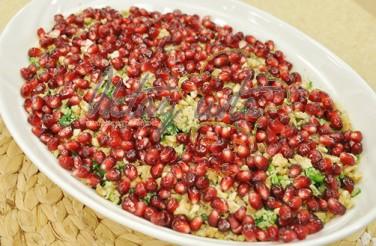 Oktay Usta Cevizli Narlı Ispanak Salatası Tarifi Yeşil Elma